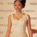 安藤美姫のウエディングドレス姿